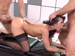 Medical Sex Video Showing Adriana Chechik, Mike-Blue And Day Mountain